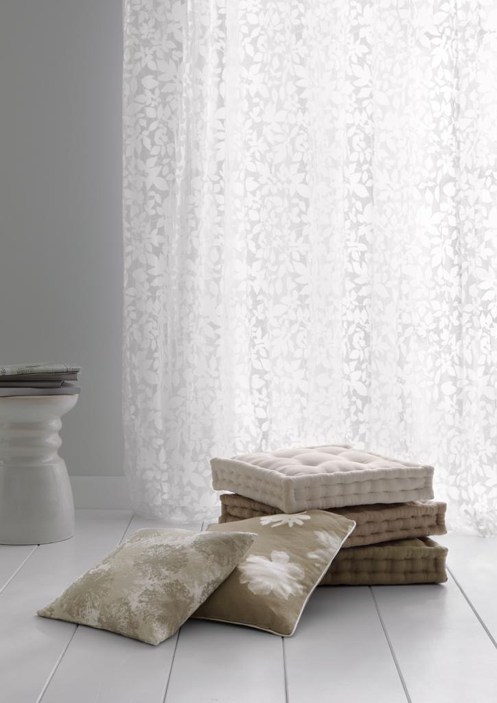 stoff f r gardinen die 8 sch nsten modelle f rs fenster. Black Bedroom Furniture Sets. Home Design Ideas