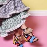 Fashion meets fabrics: So stylish ergänzen sich extravagante Schuhe und Stoffe