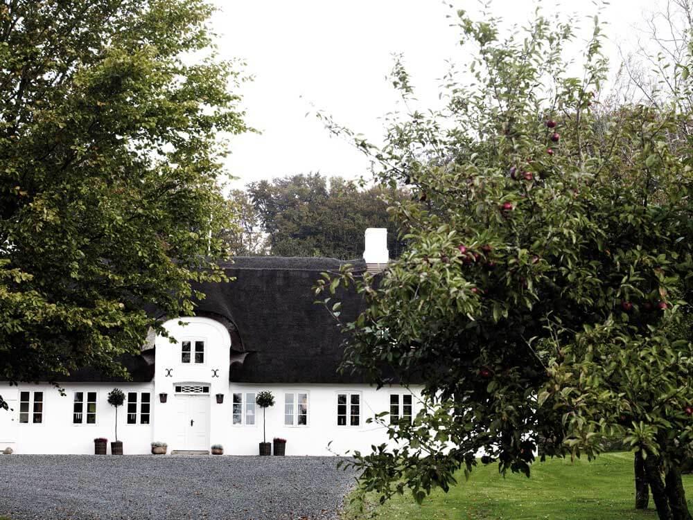 kvadrat-dinesen-country-home-wohnzimmer-foto-jorgen-overbys-tegnestue-ansicht-decohome.de_