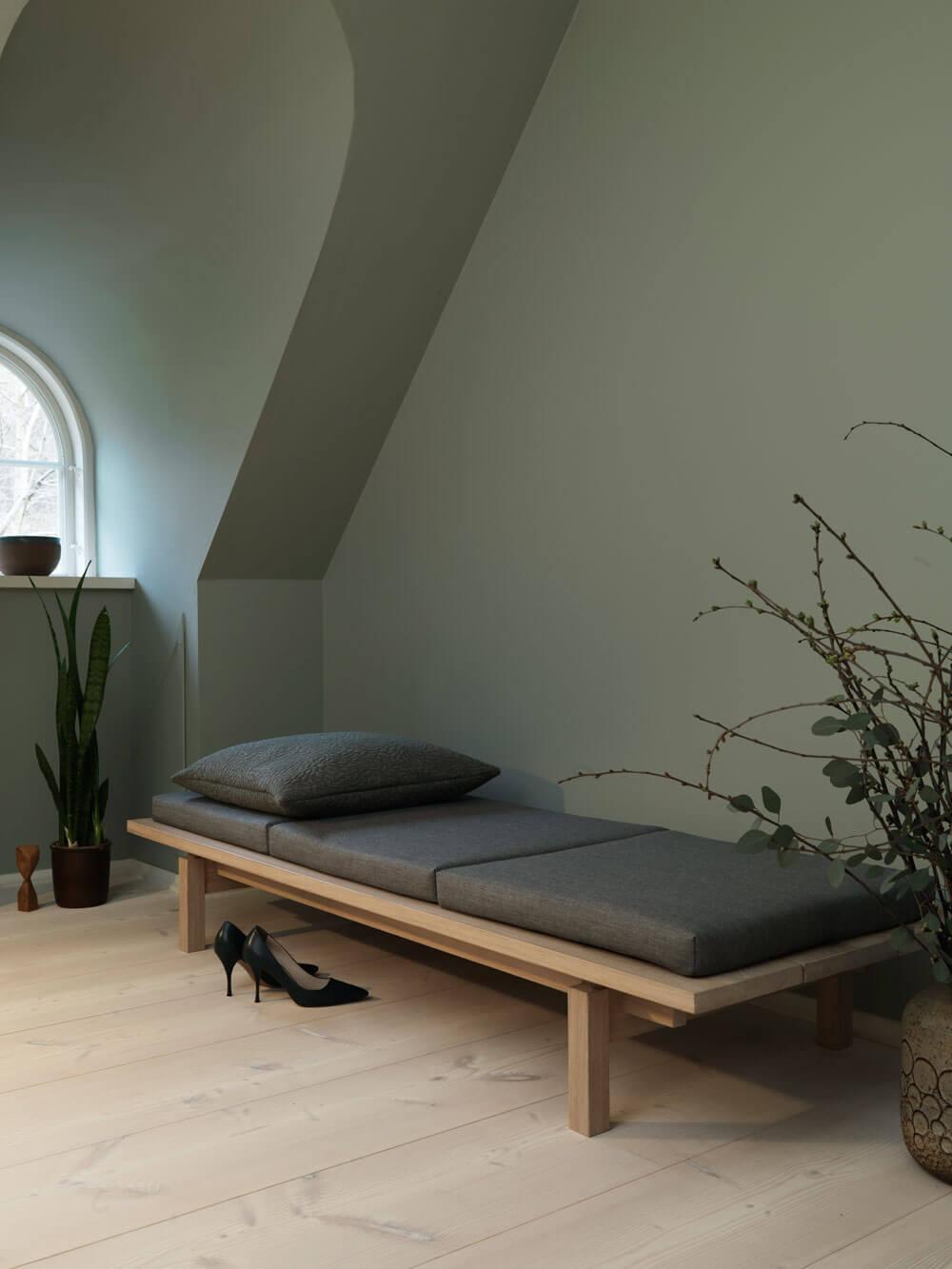 kvadrat-dinesen-country-home-wohnzimmer-foto-jorgen-overbys-tegnestue-gruene-suite-decohome.de_