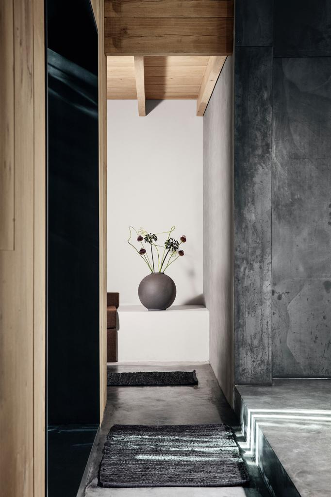 blomus-kvadrat-kissenkollektion-vase-decohome.de_.