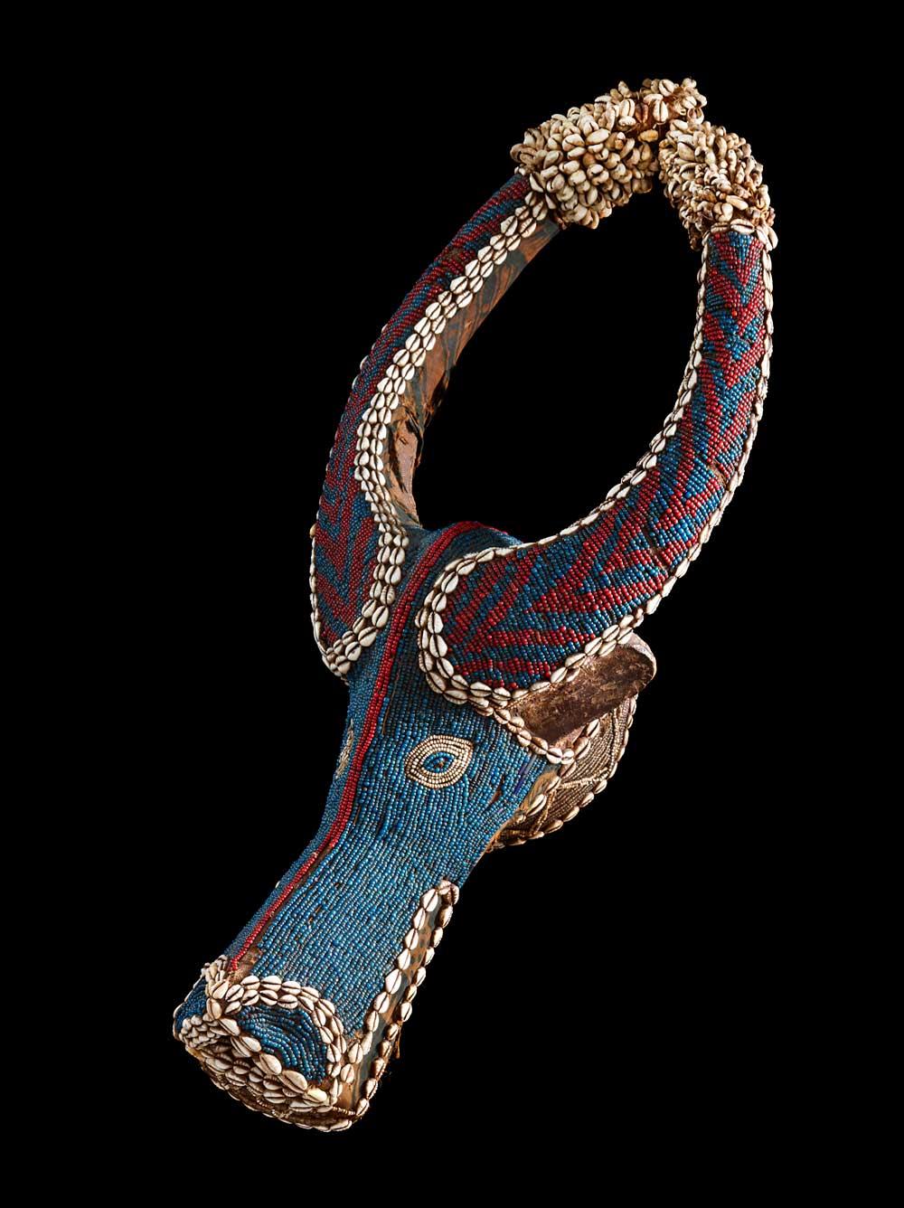 ausstellung-museum_rietberg_perlkunst_aus_afrika_skulptur-decohome.de_