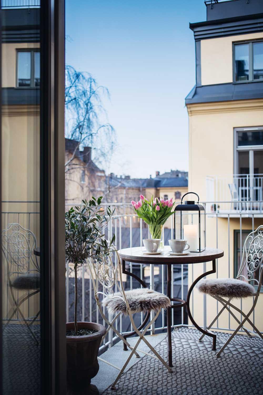 wohnen_louise_hjort_balkon-decohome.de_