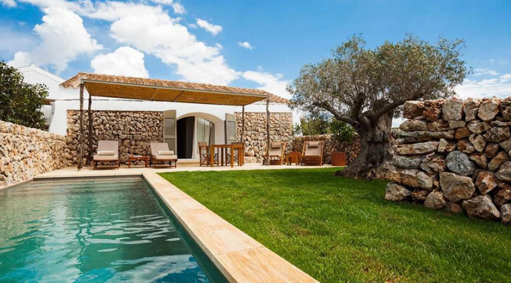 50-hotels-torralbec-menorca-pool-cottage-decohome.de_