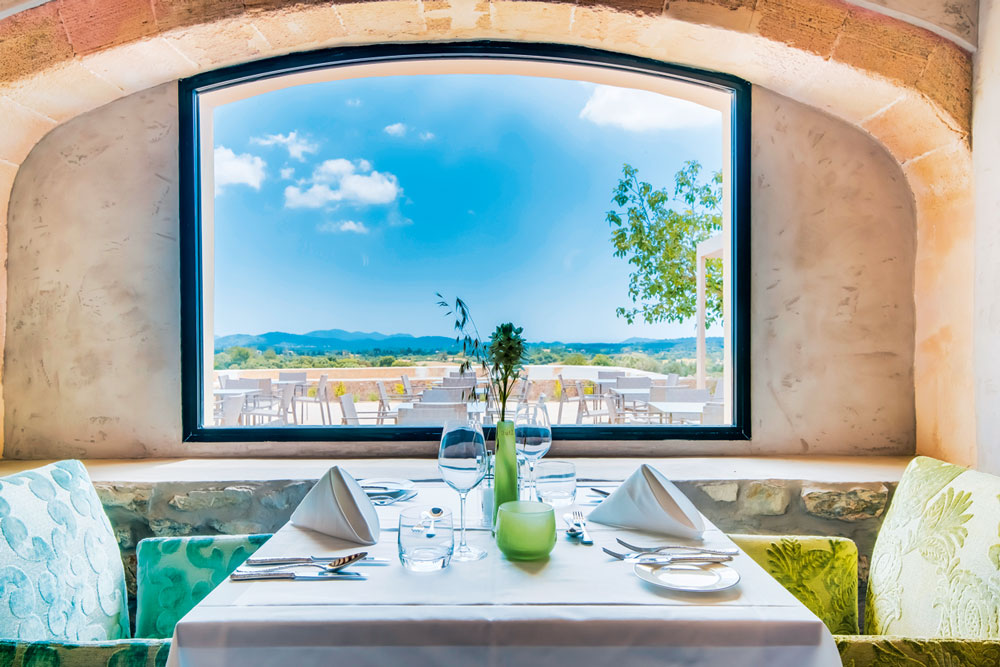 50-top-hotels-retreats-carrossa-mallorca-restaurant-decohome.de_