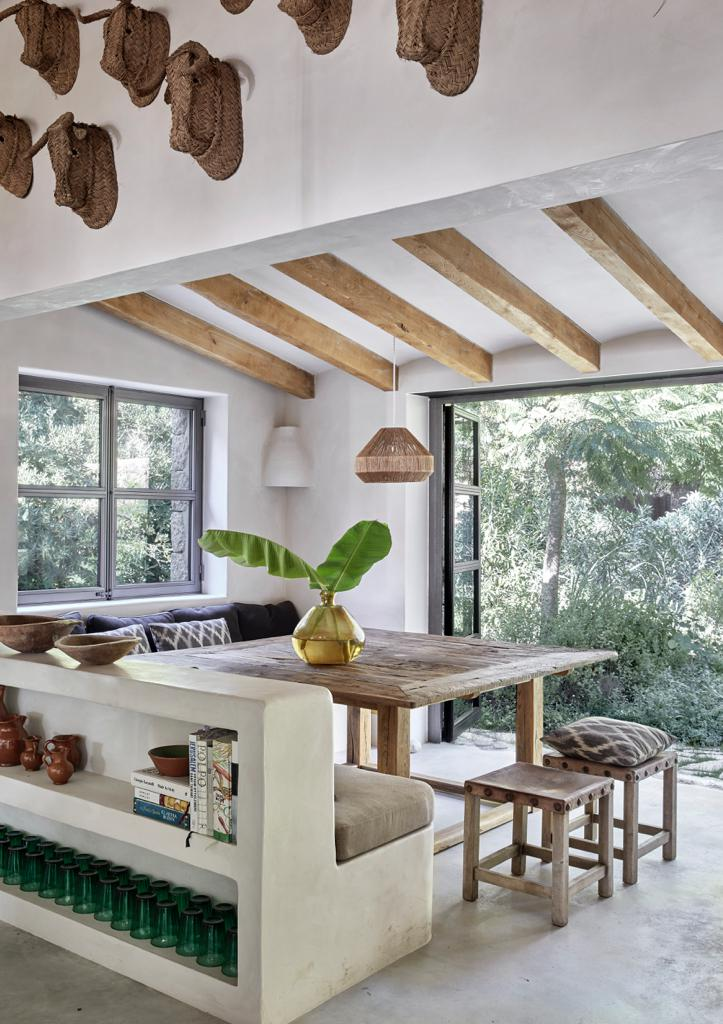 Mallorca Style Esszimmer Tisch mit Blick nach draussen