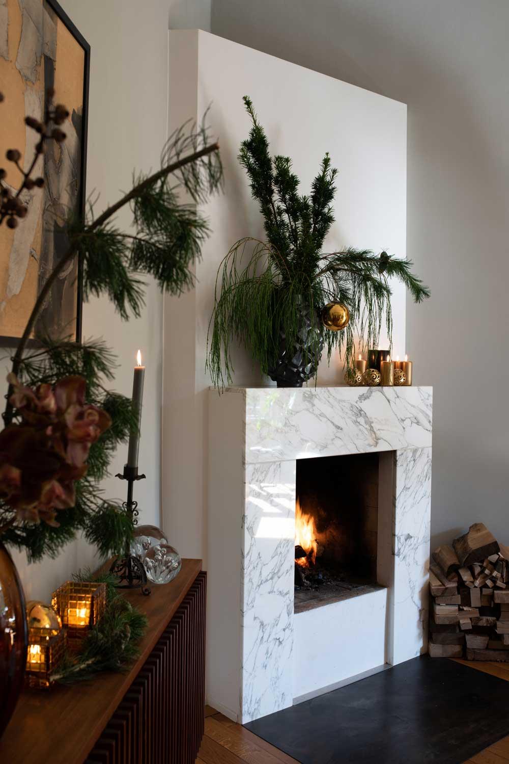 nachhaltige-weihnachtsdeko-wohnen-sabine-stelling-hamburg-mirjam-fruscella-kamin-decohome.de_