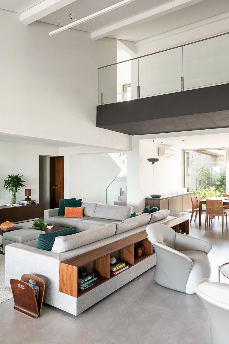 wandgestaltung-weiss-farbe-tipps-modern-decohome.de-basiches_-casa-riviera_photo-ricardo-bassetti