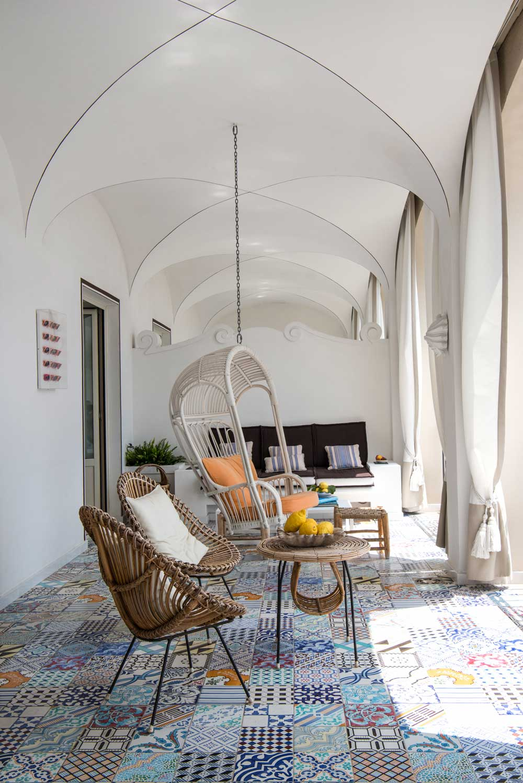 capri-tiberio-palace-balkon-laengs-decohome.de_