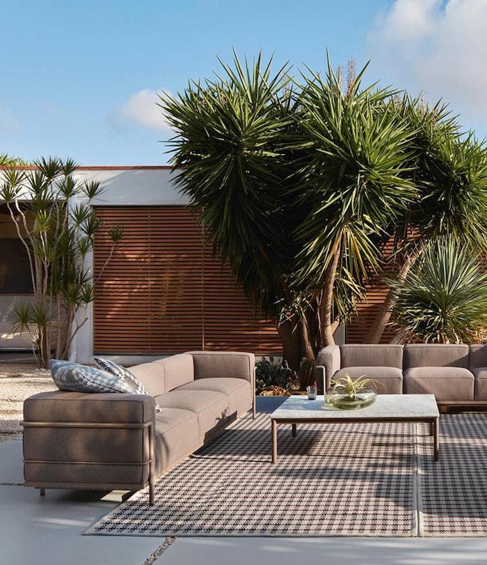 outdoor-teppiche2-garten-decohomede-cassina_collection-outdoor_le-corbusier