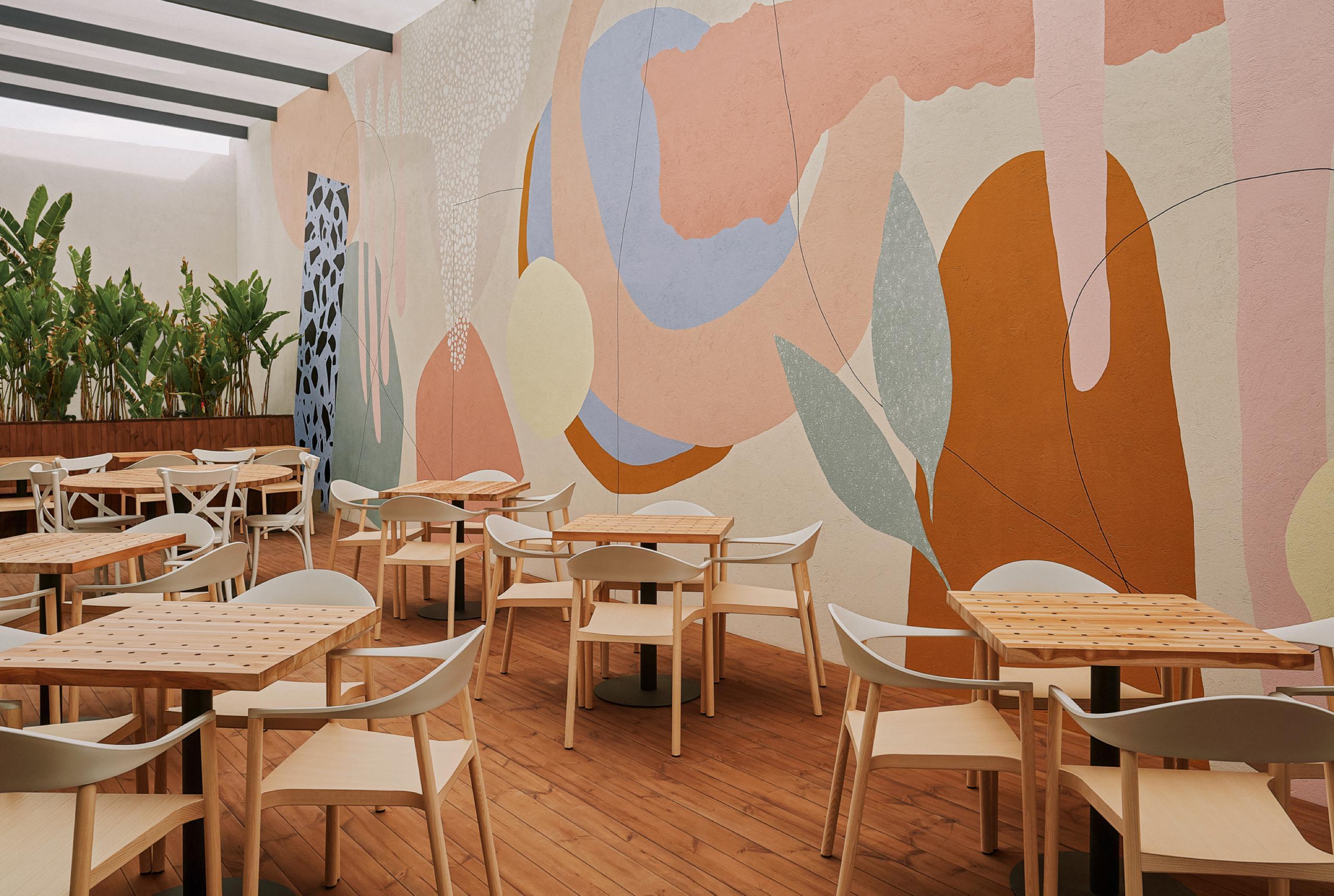 alexproba_designerin-decohomde-wallmural-restaurant