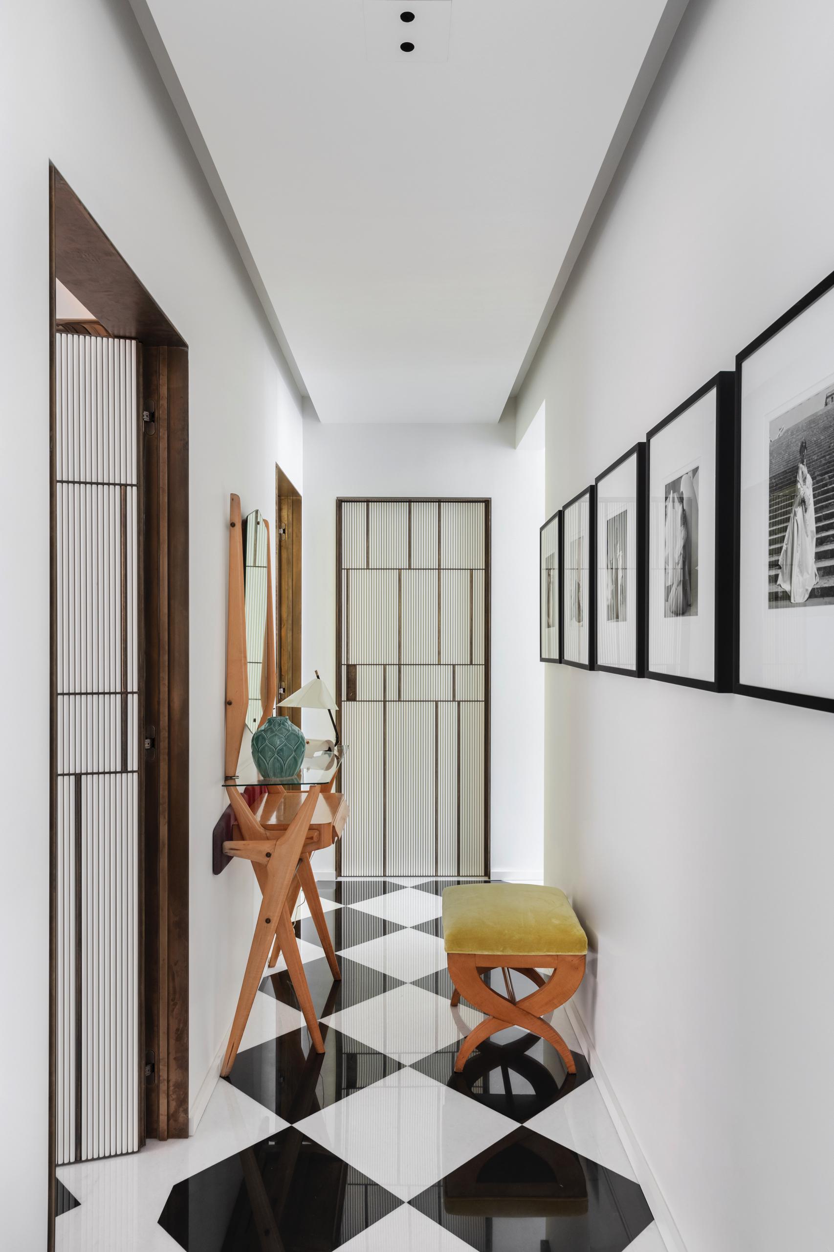 design-ideen-nilufar-gallery-mailand-homestory-decohome.de-flur-sideboard