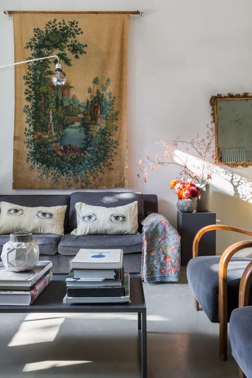 eklektisch-wohnen-rom-dylan-tripp-decohomede-wohnzimmer