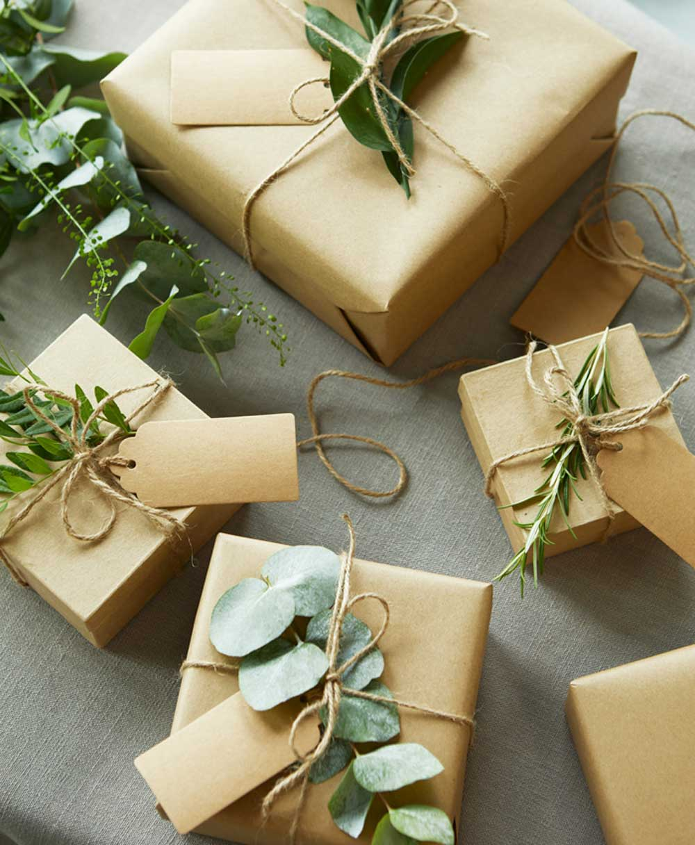geschenke-verpacken-bloom-and-wild-christmas2020-decohome.de_